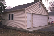 Gable Garage 24by22 offwhite 2